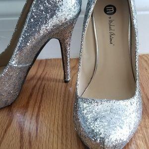 Michael Antonio Womens 6.5 silver glitter heels